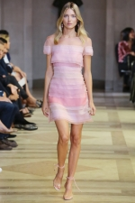 Rose Quartz and Serenity - Color of the year 2016 and fashion: Carolina Herrera - Spring/ Summer 2016
