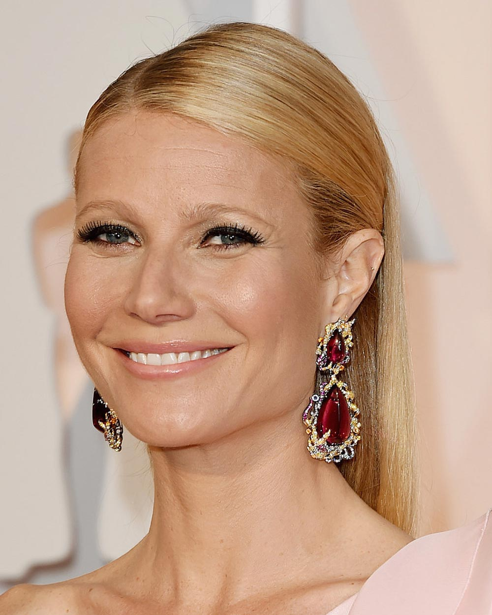 Formal hairstyles 2016: Gwyneth Paltrow´s hairstyles.