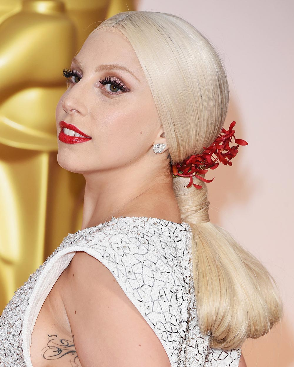 Formal hairstyles 2016: Lady Gaga´s hairstyles.